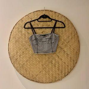 🌴 ARITZIA TALULA Black and White Striped Crop Top